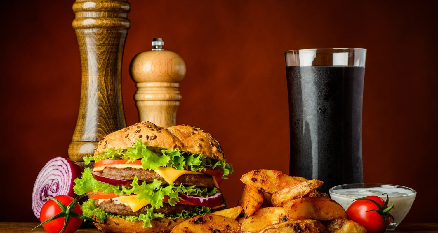 fast-food-burger-with-cola-and-potatoes-PWPUUK2-min.jpg